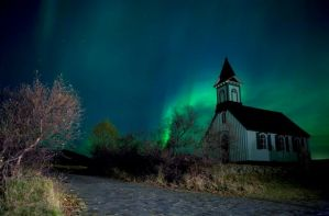 Northern lights in Iceland (Photo: GettyImages)